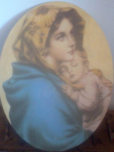 Ovale con Madonna con bambino sfondo oro