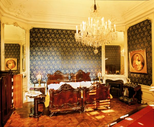 Camera Da Letto Stile Impero : Questa stanza fungeva da camera letto ...